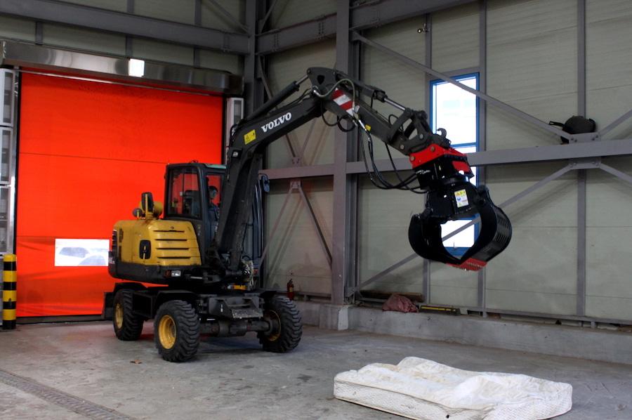 YDG300 on Excavator
