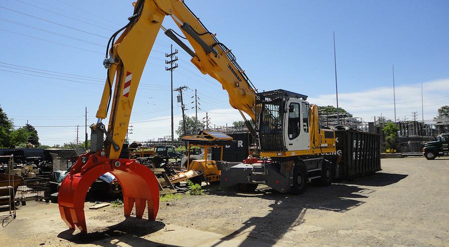 Mechanical Grapple on Excavator